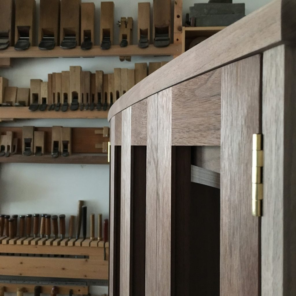 曲面の扉 ウォルナット 仏壇