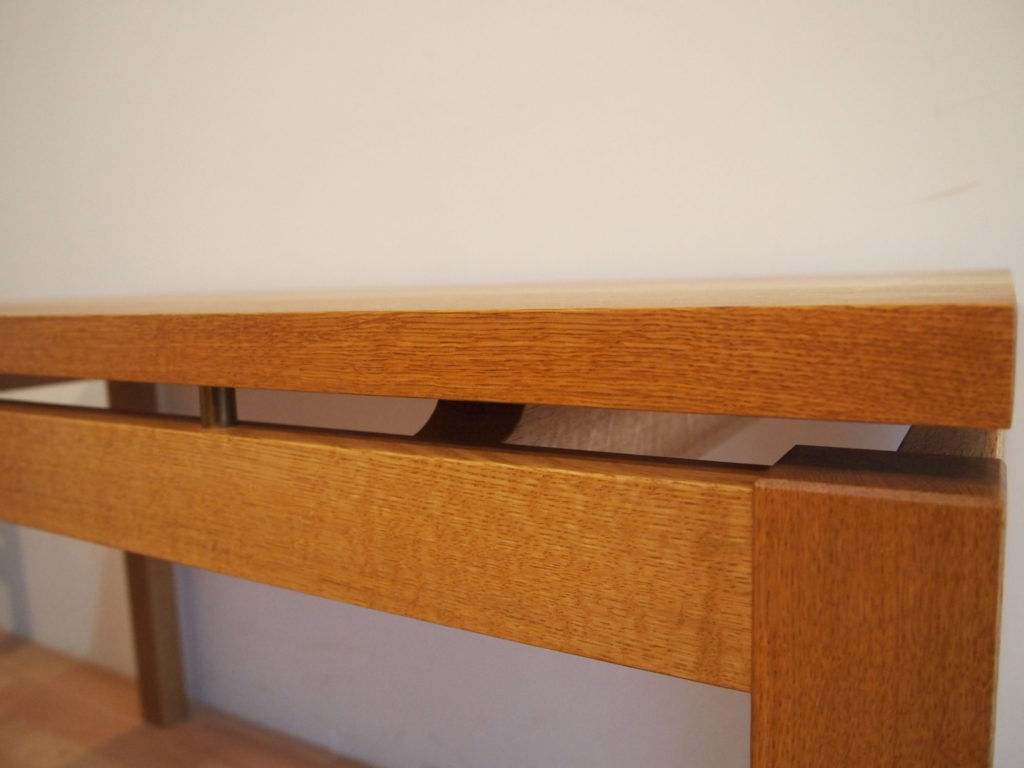 テーブル 真鍮