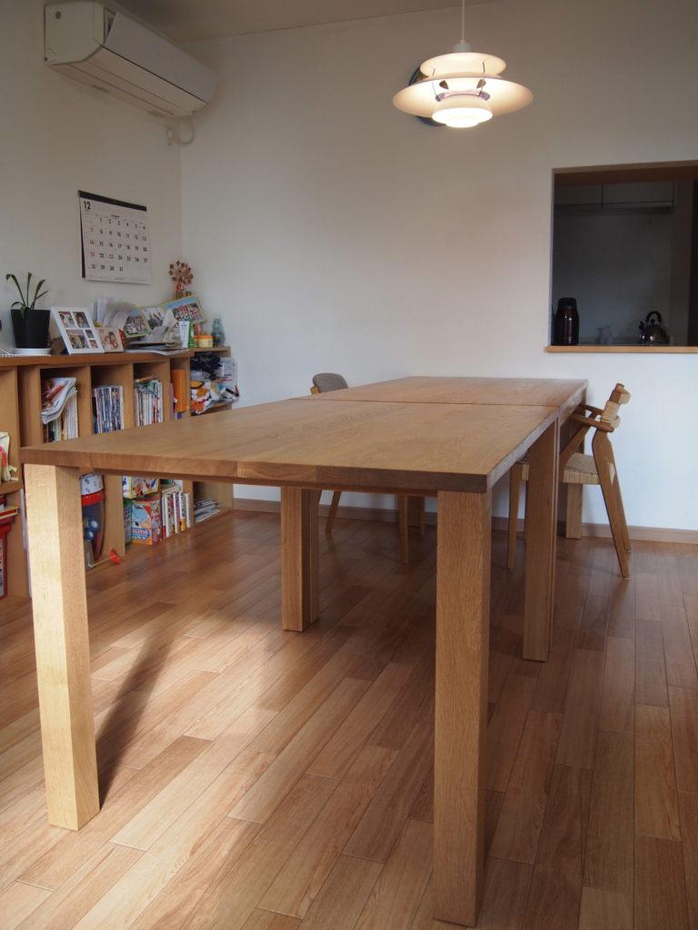 ダイニングテーブル 2台