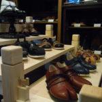 靴展示台 ノックダウン
