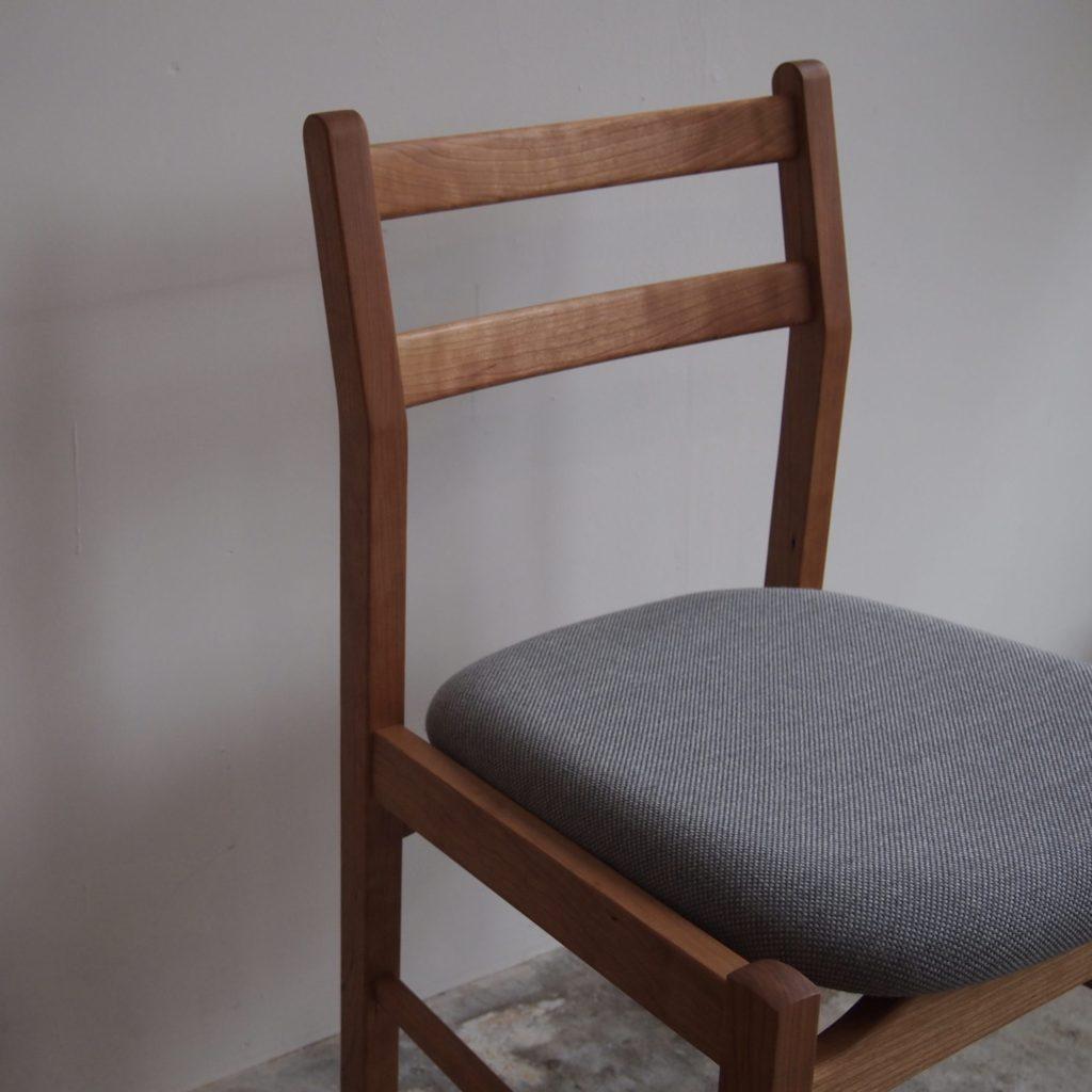 とみ菜 椅子