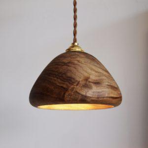 楠 木のライト 照明